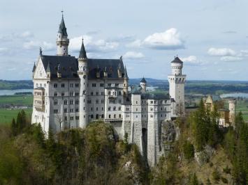 neuschwanstein-castle-landscape