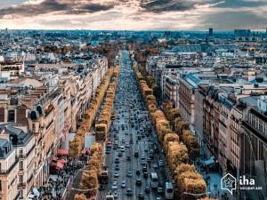 Champs-elysees-Vista-degli-champs-elysees-dalla-parte-superiore-dell-arco-di-trionfo