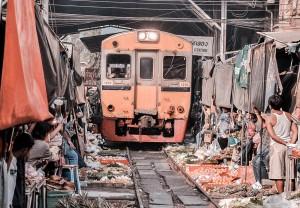 Maeklong-Railway-Market-3-1